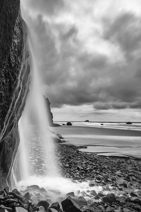 Vertical Photograph - Falling Into The Sea by Jon Glaser
