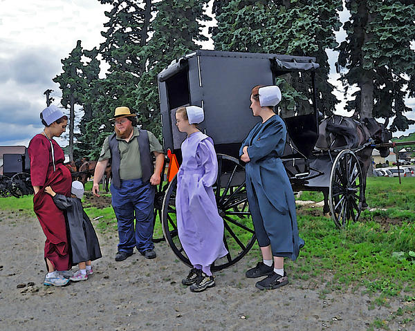 Amish Photograph - Amish Family Travelers by Brian Graybill