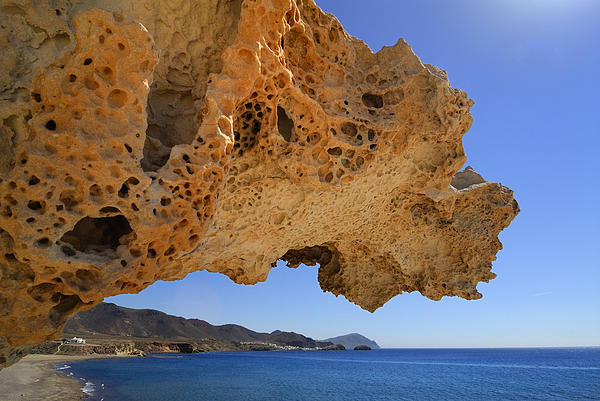 Guido Montanes Castillo - Arcos beach