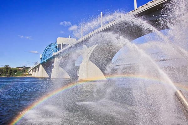 Bridge Photograph - Fountains And The Market Street Bridge by Tom and Pat Cory