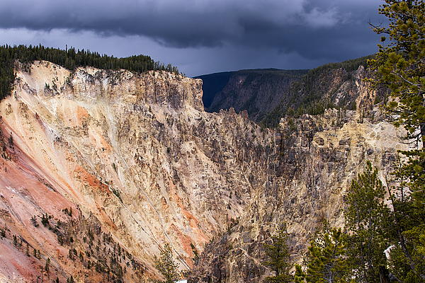 Chuck De La Rosa - Grand Canyon of the Yellowstone