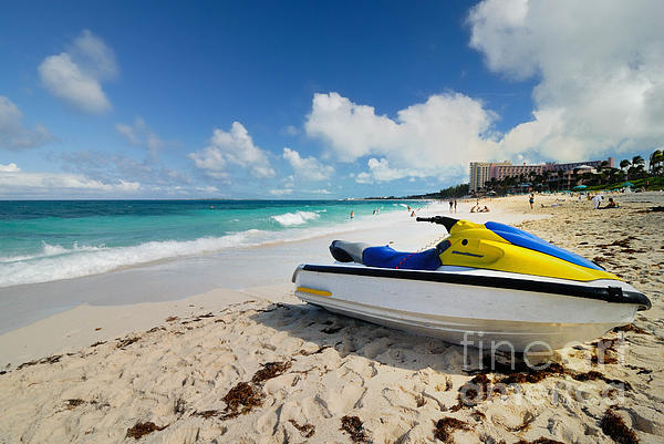 Atlantic Ocean Photograph - Jet Ski On The Beach At Atlantis Resort by Amy Cicconi