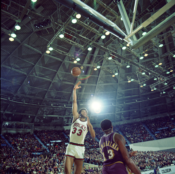 Marvin Newman Photograph - Kareem Abdul Jabbar Sky Hook by Retro Images Archive