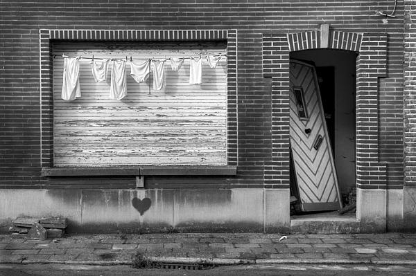 Abandoned Photograph - Laundry And Abandoned House by Dirk Ercken
