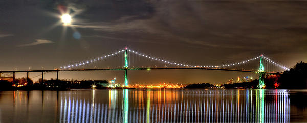 David  Naman - Lions Gate Bridge in Colour