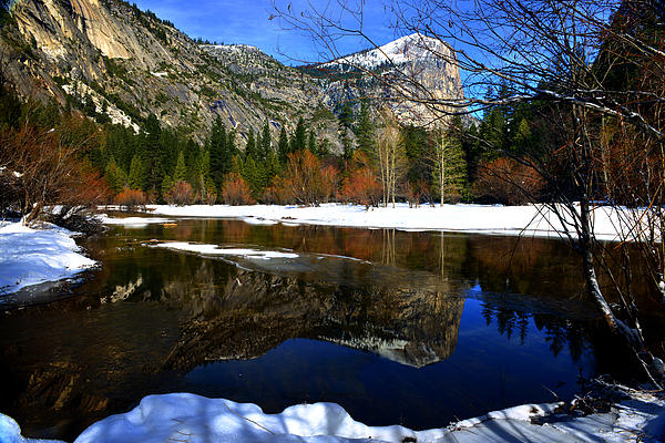 Yosemite Valley Photograph - Mirror On The Lake by Peter Dang
