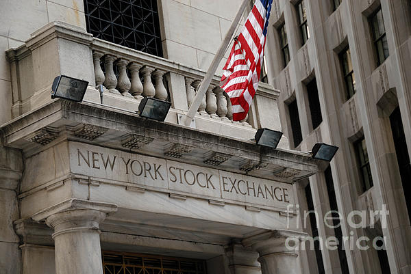 American Flag Photograph - New York Stock Exchange Building by Amy Cicconi