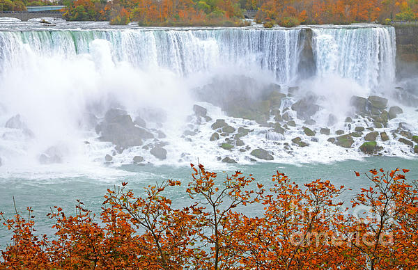 Charline Xia - Niagara Falls in Autumn
