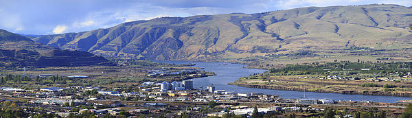 Dalles Photograph - Panorama Of The Dalles Oregon. by Gino Rigucci
