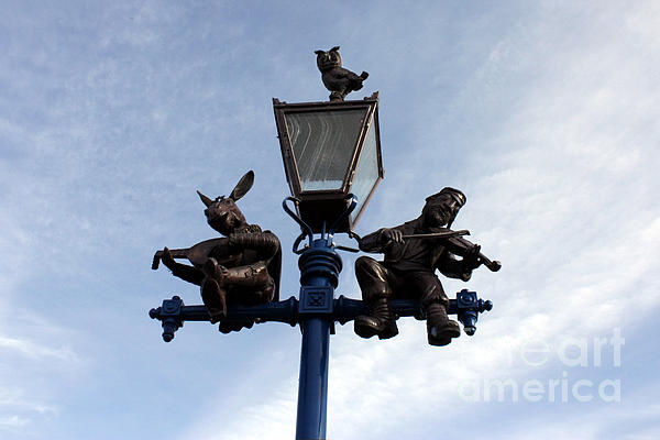Photograph - Stratfords Jewish Lamp Post by Terri Waters