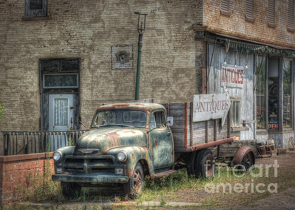 Pamela Baker - The Old Delphos Truck