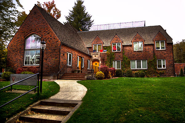 Washington State University Photograph - The Tke House On The Wsu Campus by David Patterson