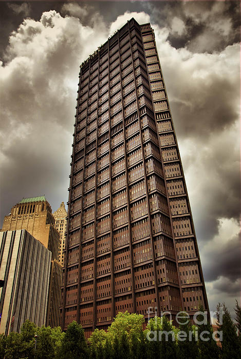 Alleghenycounty Photograph - Us Steel Building Pittsburgh Hdr by Amy Cicconi