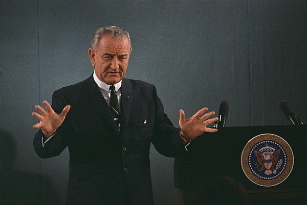 History Photograph - President Lyndon Johnson Speaks by Everett
