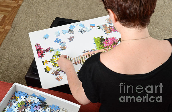 Puzzle Therapy Photograph - Puzzle Therapy by Photo Researchers, Inc.