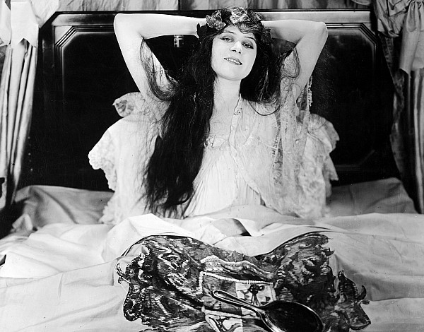 -nec02- Photograph - Theda Bara (1885-1955) by Granger