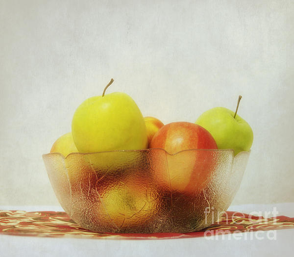Kristin Kreet - Apples