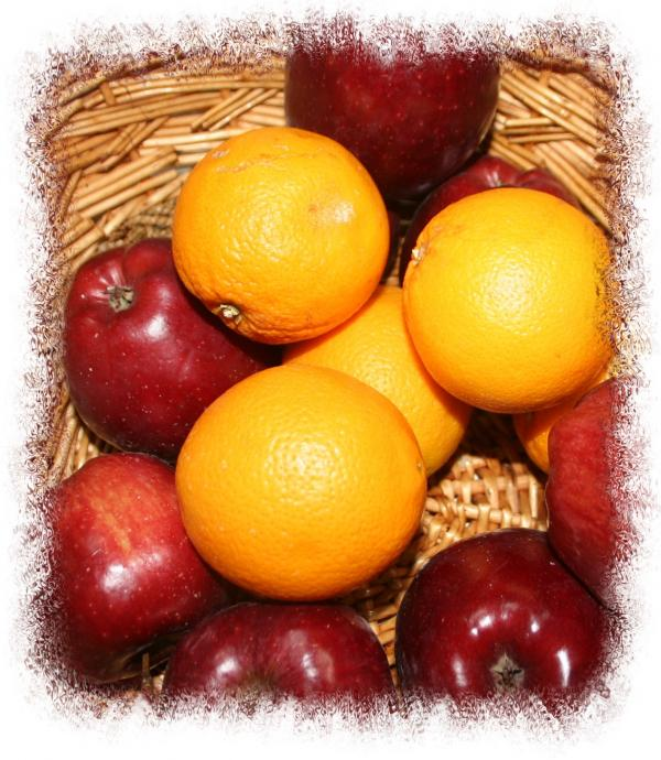 Apples N Oranges Photograph - Apples N Oranges Fine Art Print