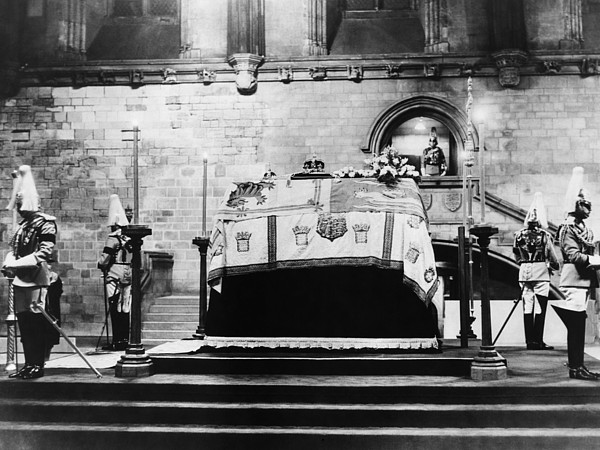 1930s Photograph - British Royal Family. Coffin Of King by Everett