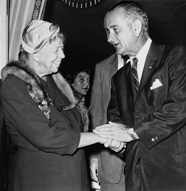 History Photograph - Eleanor Roosevelt Shaking Hands by Everett