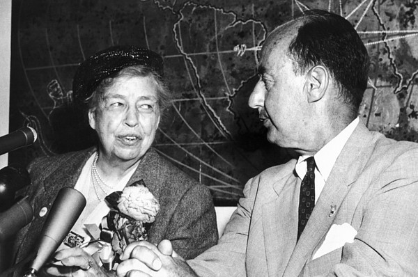 History Photograph - Eleanor Roosevelt Supported Adlai by Everett