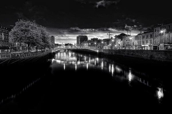 Paul Holmes - Hapenny bridge dublin city