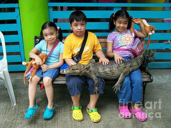 Dindin Coscolluela - Three Crocs with a Croc