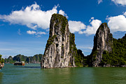 Fototrav Print - Vietnamese Junk cruising on Halong Bay...