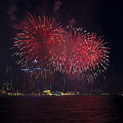 Pyrotechnics Prints - Detroit Area Fireworks 28 Print by Paul Cannon