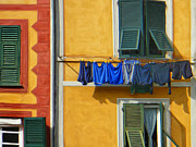 Genoa Painting Prints - Laundry Al Fresco Print by Dominic Piperata