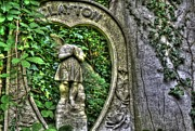 Abney Park Art - London LXXII by Oliver Kluwe