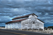 Architecture And Building Prints - Old White Barn Print by Juli Scalzi