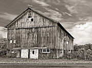 Steve Harrington - Pennsylvania Barn monochrome