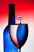 Red White And Blue Reflections And Refractions Print by Susan Candelario