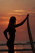 Lee Kirchhevel - Surfer Sunset Silhouette