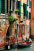 Plant Singing Metal Prints - Venice Getaway Metal Print by Mariola Bitner