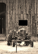 Donna Van Vlack - Tractor and The Barn