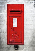 Mail Box Prints - A Quaint Essential English Post Box Print by David  Hollingworth