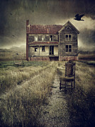 Sandra Cunningham - Abandoned eerie farmhouse with dark...