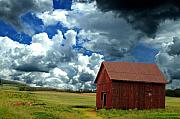Emily Stauring - Barn before the Storm