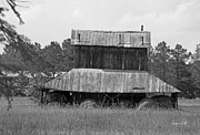 Suzanne Gaff - Clewis Family Tobacco Barn II in Black...