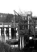 Suzanne Gaff - Down by the Docks in black and white