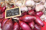 Yvonne Ayoub - French red onions and garlic