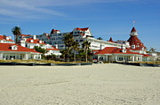 Hotel Del Coronado Framed Prints - Hotel Del Coronado Beach Framed Print by Jeff Lowe