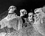 Thomas Jefferson Posters - Men Working On Mt. Rushmore Poster by Underwood Archives