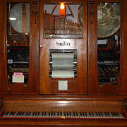 Wingsdomain Art and Photography - Nostalgic Wurlitzer Player Piano ....