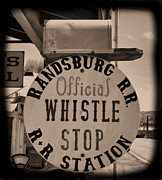 Cindy Nunn - Official Whistle Stop