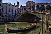 Gondolier Prints - Rialto Bridge in Venice Italy Print by David Smith