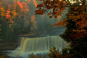 Matthew Winn - Tahquamenon Falls in Autumn