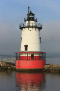 Clarence Holmes - Tarrytown Lighthouse I